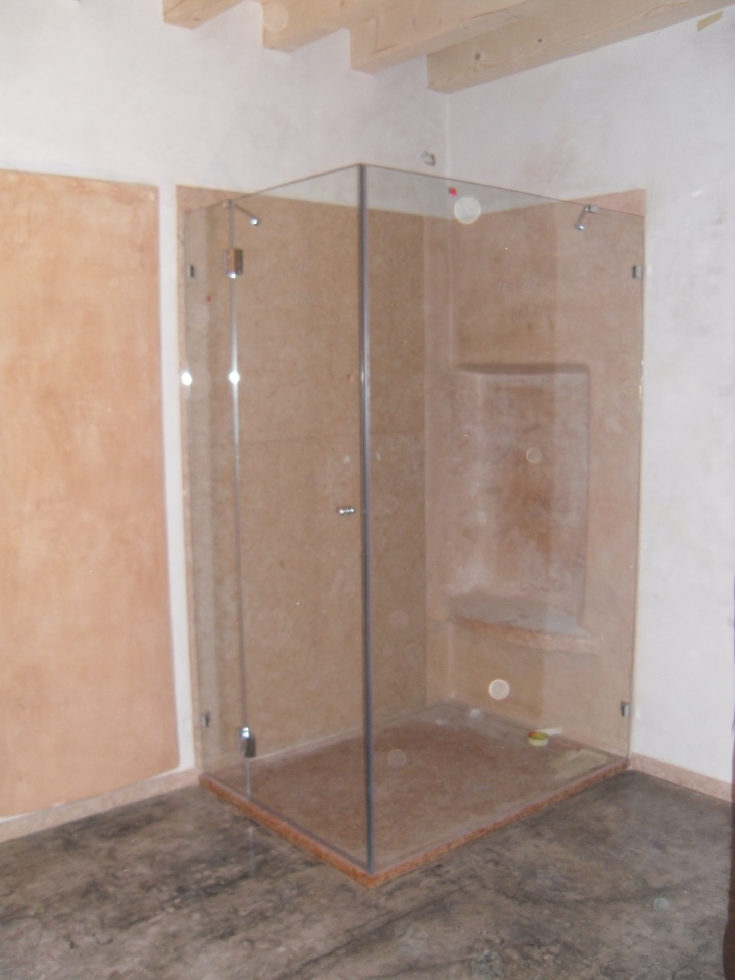 Box doccia vetri su misura vetrocamera box doccia for Vetro sintetico su misura