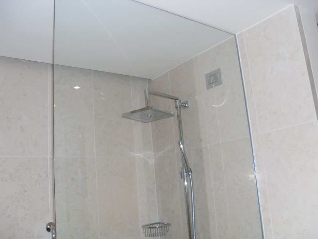Box doccia vetri su misura vetrocamera box doccia - Box doccia senza telaio ...