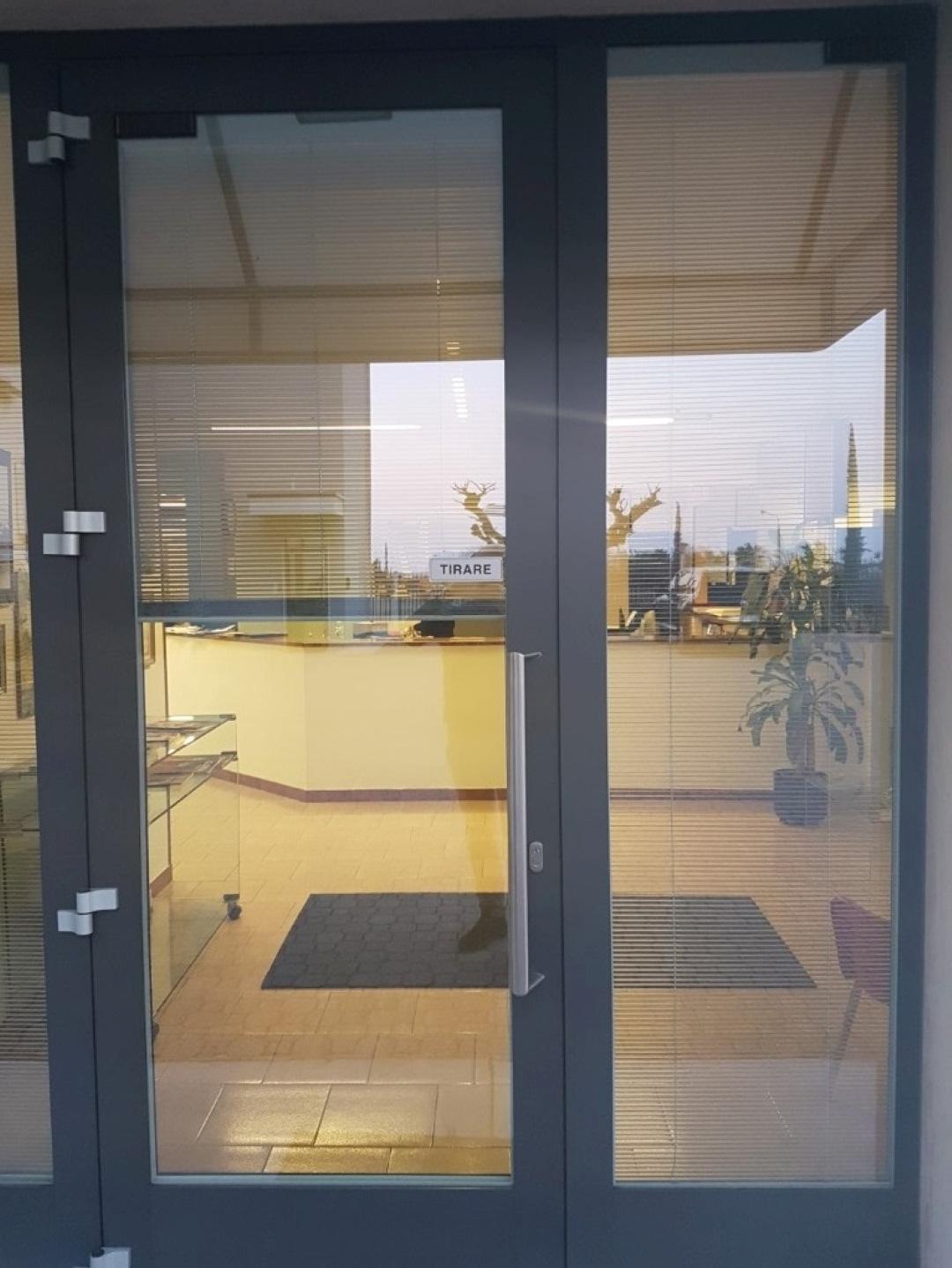 Vetri su misura vetrocamera box doccia specchi - Sunbell veneziane interno vetro ...